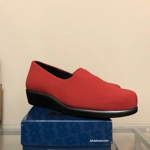 SAS SHOES RED SIZE 8.5 BRAND NEW DISCOUNT
